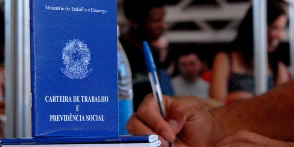 TST faz decisão importante sobre retenção de carteira de trabalho